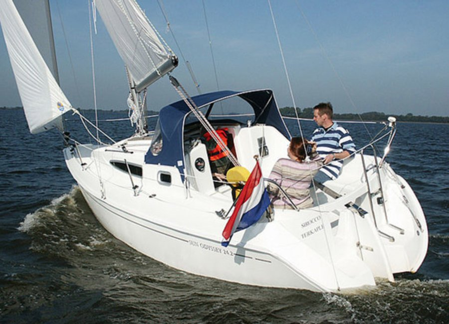 Rent a boat in the Netherlands and sail on the Frisian lakes and the IJsselmeer